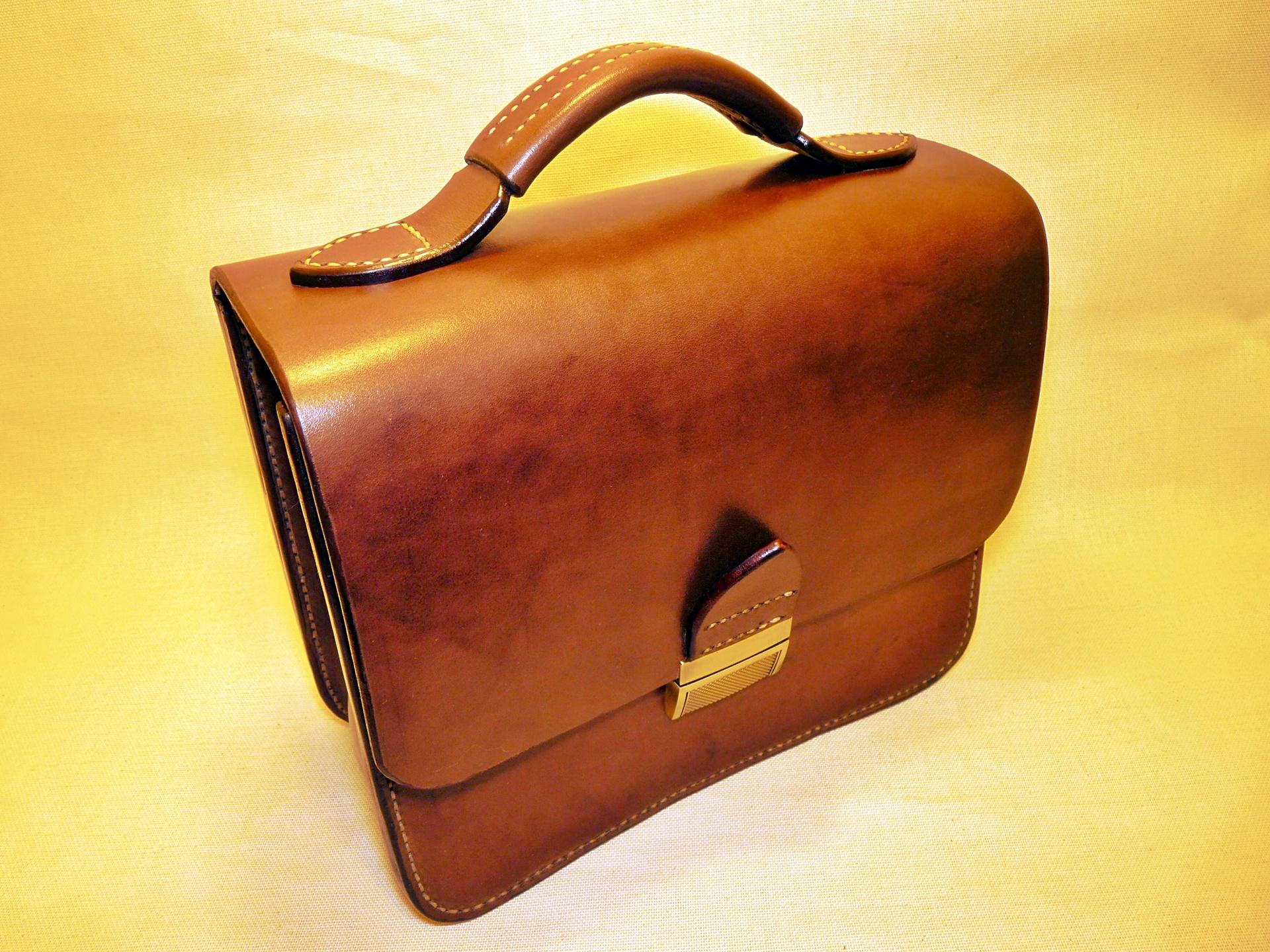 Мужская сумка из натуральной кожи ручной работы, исполнение «Маленькая Вечность»